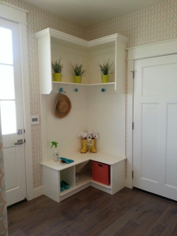Furniture, Small White Wood Corner Mudroom Entryway Design With Indoor  Plants And Vase Shelves Hat Hooks Above Bench Seat With Shoe Storage Ideas:  60 ...
