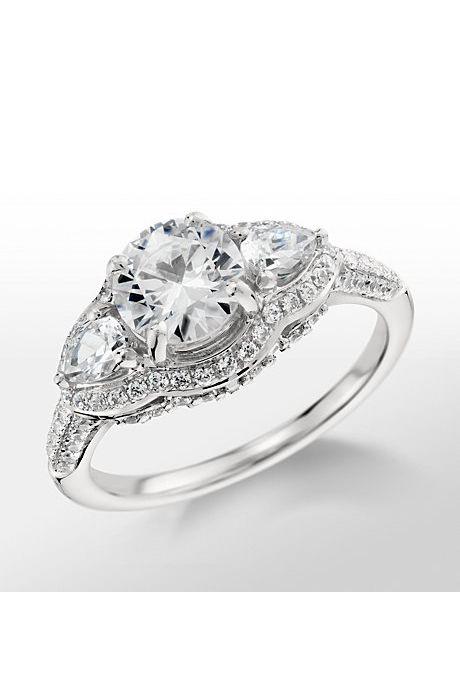 Vintage Looking Wedding Rings 72 Elegant Vintage engagement rings blue