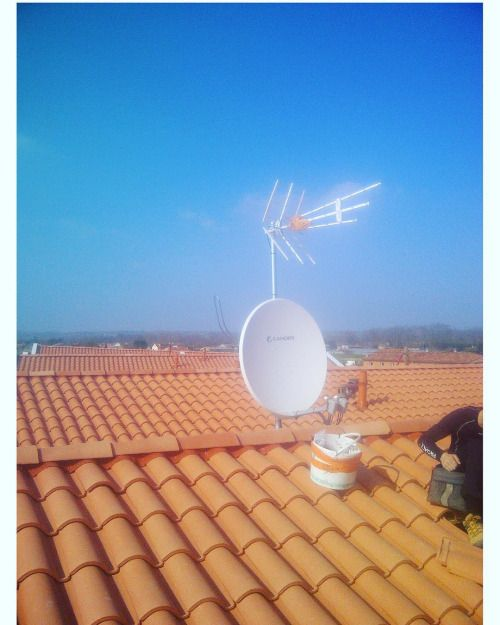 #antenne#televes#parabole#penetrationtoiture#astra#hotbird#instag...