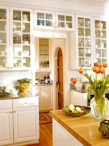 Love the glass cabinets.Kitchens Interiors, The Doors, Butler Pantries, Decor Kitchens, Kitchens Design, Design Kitchens, Glasses Doors, Pantries Doors, White Kitchens