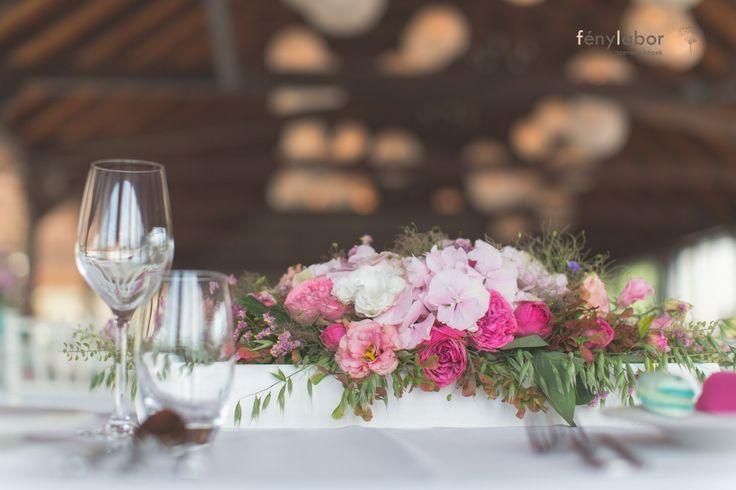 Pink és Menta szerelem a birtokon - VintageChics Kata és Zsolt pink és menta esküvő, rókusfalvy birtok esküvő, pink, mint wedding, winecellar wedding