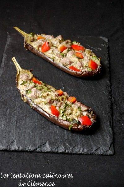Voici un plat qui est simple à faire et qui permet rapidement de voyager. Vous pouvez faire cuire les demi-aubergines la veille et les farcir le jour-même Si vous n'aimez pas l'agneau, vous pouvez, bien sûr, le remplacer par du boeuf ou du poulet ! 2...