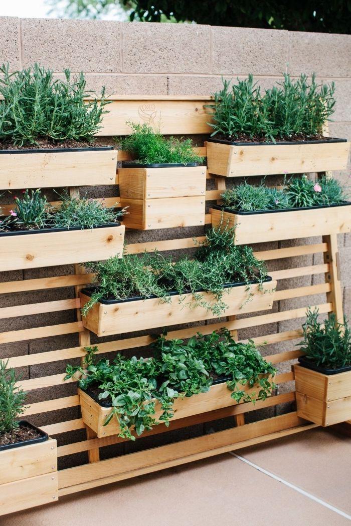 Jardiniere En Bois Avec Plusieurs Bacs A Plantes Ideal Pour Creer