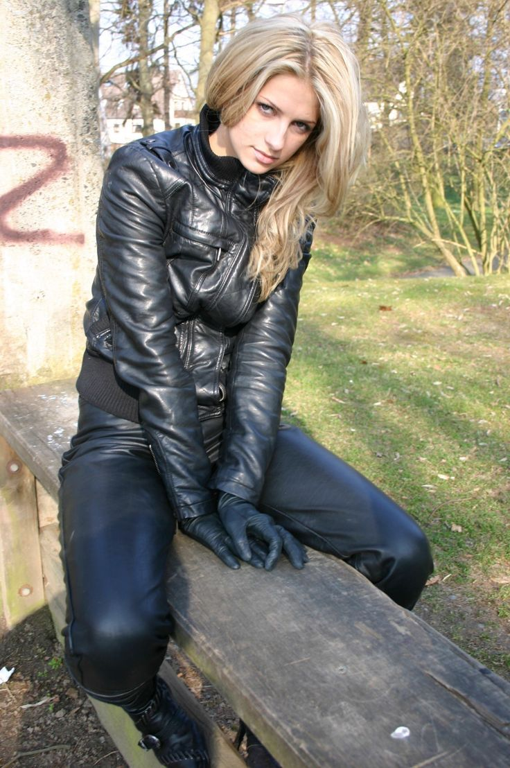 Biker Black Boots Short