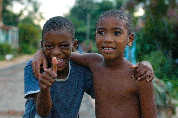 Un sorriso è il più bell'atto spontaneo che esiste: non si può fingere, viene da dentro.