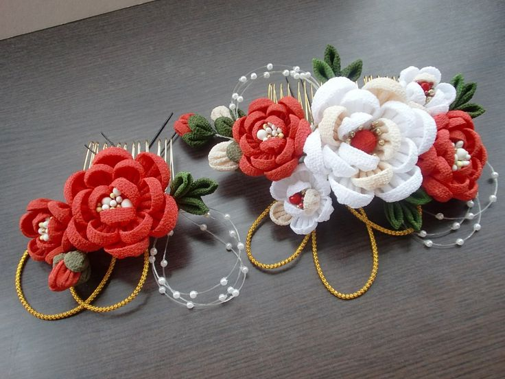 Japanese hair accessory. camellia