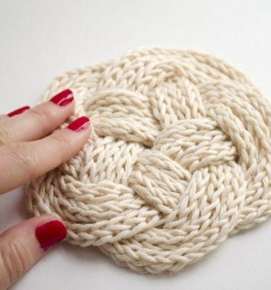 Knitted cord celtic knot coasters (from leftover yarn) // Kötött kötél kelta csomó poháralátét (maradék fonalból) // Mindy - craft tutorial collection // #crafts #DIY #craftTutorial #tutorial