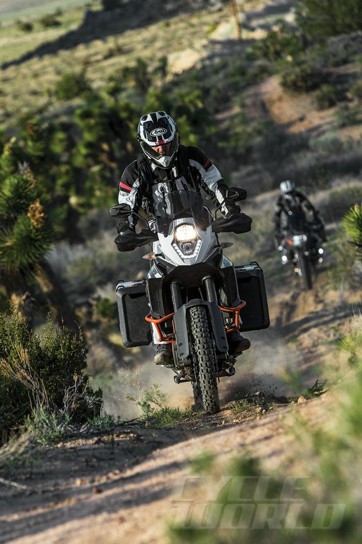 Cycle World - BMW R1200GS Adventure vs. KTM 1190 Adventure R - Comparison Test