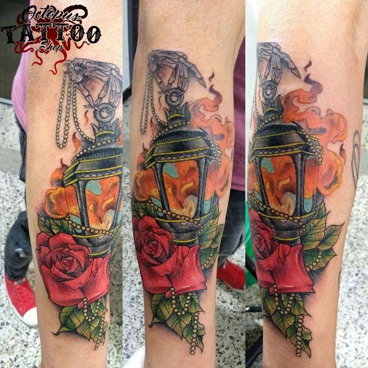 Tatuaje farol brazo hombre color  Realizado en Octopus Tattoo Shop   Por Sergio Rueda  Facatativá - Cundinamarca   Whatsapp: 3133398444 Tatuaje  Realizado en Octopus Tattoo Shop   Por Sergio Rueda  Facatativá - Cundinamarca   Whatsapp: 3133398444