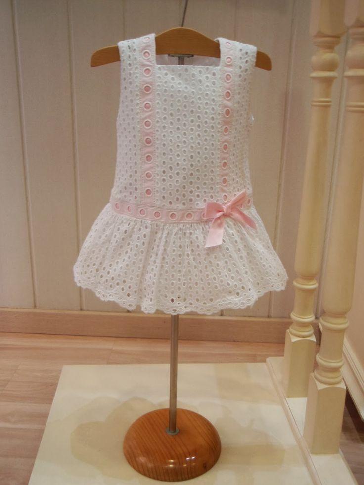 Menudets-moda infantil: COLECCIÓN TEJIDO PERFORADO ROCHY.