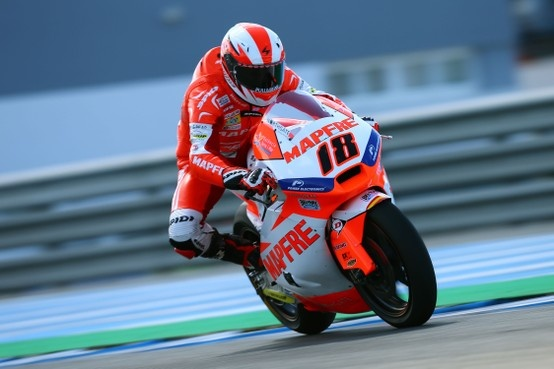 125 World Champion Nico Terol braking hard on his Aspar Team Moto2 Suter today in Jerez de la Frontera/ Spain during the last official MotoGP test before Qatar first race. Find out more at http://www.spidi.com