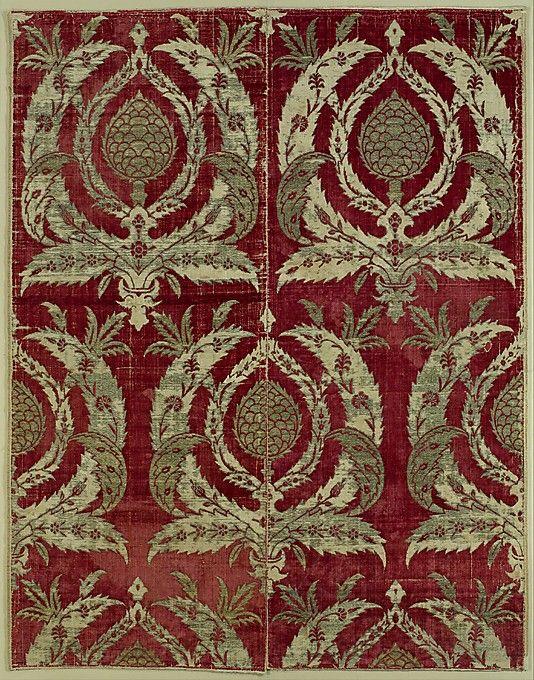 Bursa voided velvet with artichoke design • late 16th century ottoman