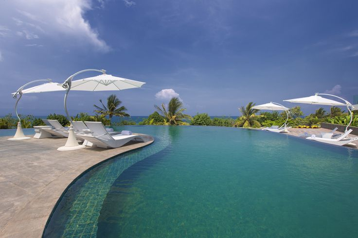 "Don't keep calm for the upcoming holiday and book our limited offer ""Stay 3 Pay 2"" package with MasterCard® from 2 December 2013 to 31 March 2014  http://www.sheratonbalikuta.com/"