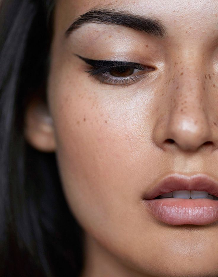 Simple makeup with a flawless wing eyeliner @Coveteur