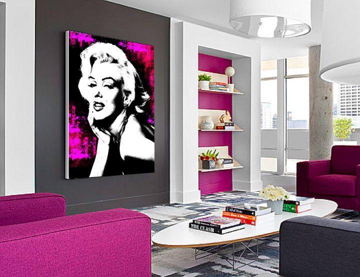Iconic woman 2 je obraz inšpirovaný známonu hollywoodskou star Marilyn Monroe. Obraz je kobmináciou klasiky s moderným umením. Ideálny pre kreatívnych ľudí ako oživenie kancelárskych priestorov alebo do jednofarebného moderného interiéru ako dominantný doplnok. Obraz ako všetky z našej ponuky je možné namaľovať v akomkoľvek rozmere a farebnej kombinácii. Rozmer 100 x70 cm.
