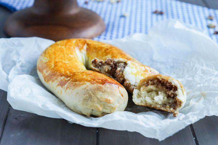 Meitschibei (Swiss Hazelnut Horsehoe Pastries) (10 of 15)