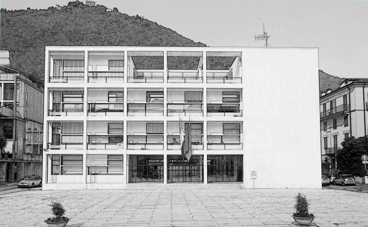 Casa del Fascio en Como (Italia, 1932-36). Giuseppe Terragni (Italia, 1904-1943). // También llamada Palazzo Terragni es una obra racionalista creada para albergar la sede del Partido Fascista de Como. Conceptualizado como un palacio clásico centrado en un atrio de cristal el proyecto original se jactó por su innovadora y cristalina fachada, que se ha citado como una manifestación ejemplar del estilo internacional de arquitectura.