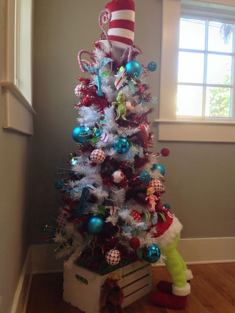 Best 25+ Grinch christmas tree ideas on Pinterest | Large outdoor ...