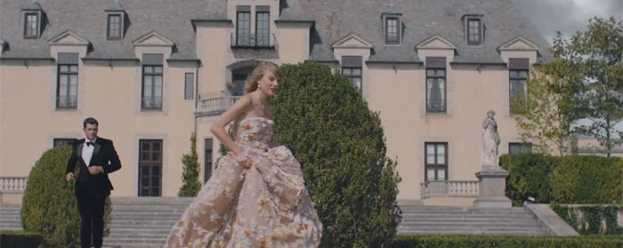 Taylor Swift Blank Space MV Outfits