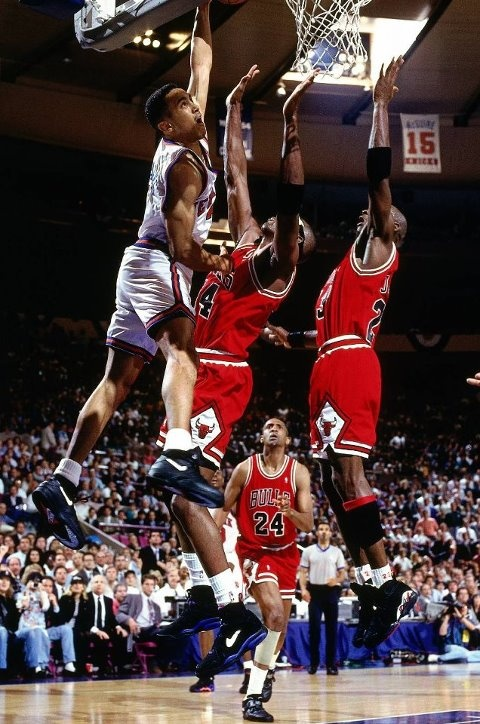 Hottest in game dunk I have EVER seen!  Starks was bananas when he got hot :-)