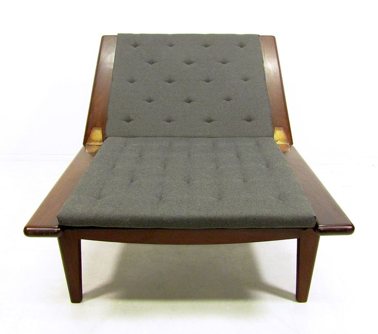 Mid Century Danish Padouk Hardwood Daybed with Footstool by Hans Wegner 1950s