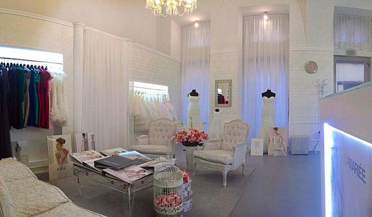 A La Mariée Budapest esküvői ruhaszalon Magyarország legexkluzívabb és egyetlen Pronovias Premium dealer ruhaszalonja óriási választékkal! www.lamariee.hu