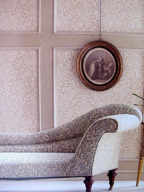 """William Morris """"Acorn"""" pattern"""