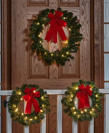 Remote-Controlled Outdoor Wreaths Christmas decor Pinterest