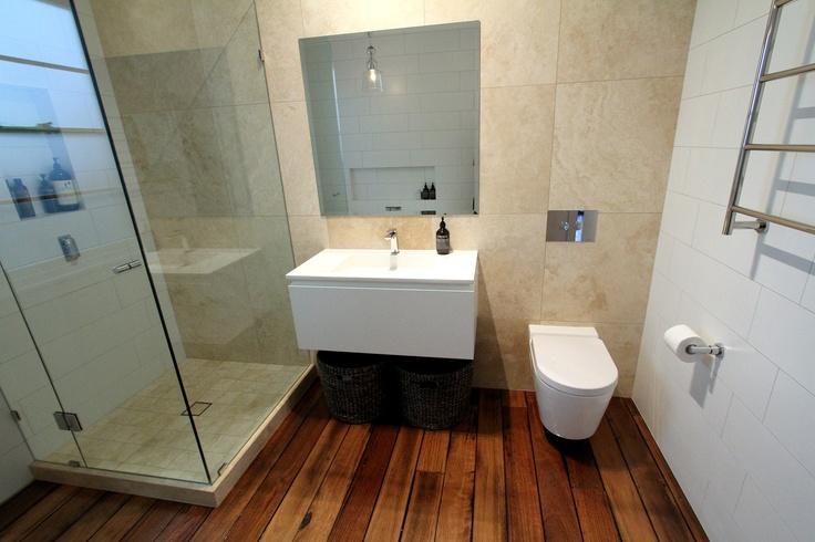 Classic style bathroom with travertine.