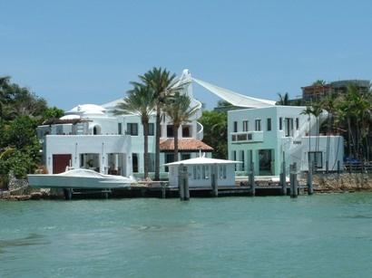 Celebrity Homes: Beautiful Beach Houses | HGTV