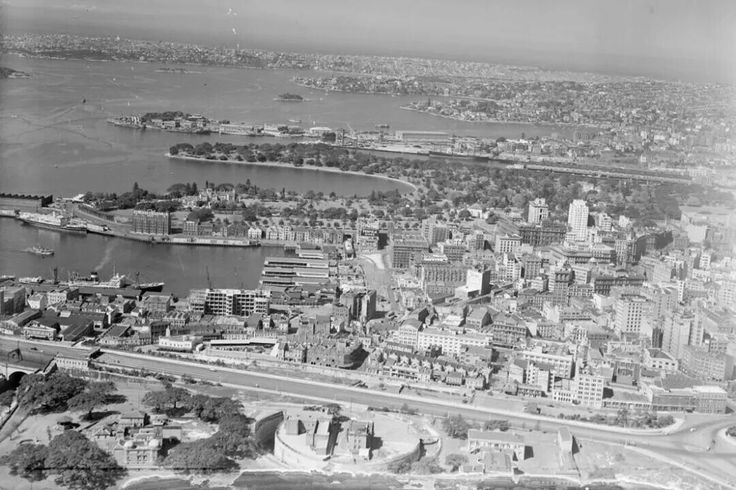 Aerial photo of Circular Quay and its surrounds in the 1940s.