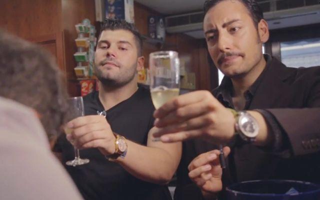 WEBSERIE - Gli effetti di Gomorra sulla gente, la webserie dei The Jackal conquista la rete (VIDEO)