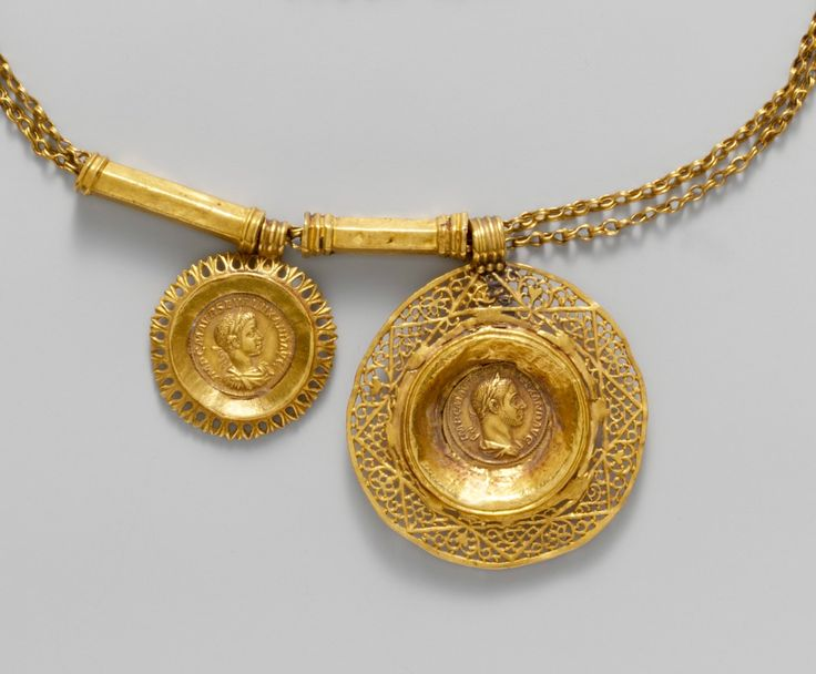 Gold necklace with coin pendants, roman, 3 cen. AD