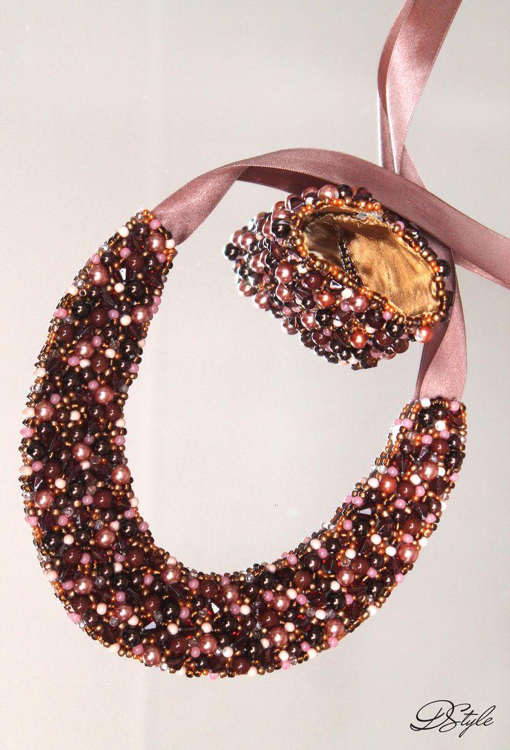 Statement necklace: 85 ron, Bracelet: 55 ron