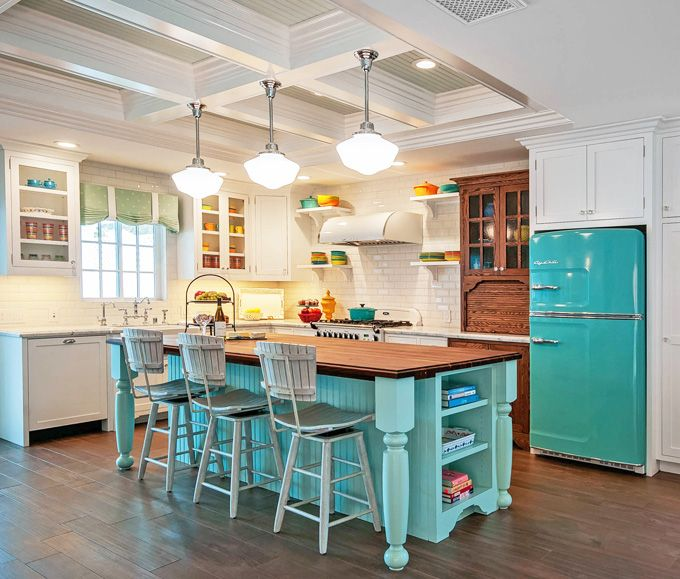 25 Inspiring Photos Of Small Kitchen Design: Retro Refrigerator, Appliances And Retro Kitchen