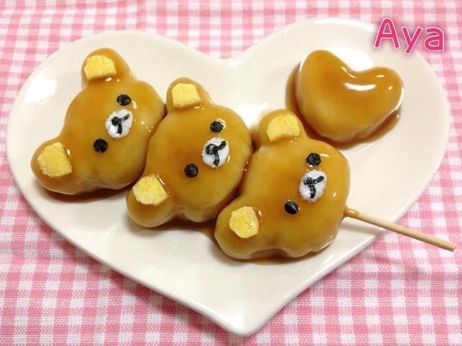 リラックマ 団子(Rilakkuma Dumpling) Rilakkuma (リラックマ, a combination of the Japanese pronunciation of relax and the Japanese word for bear) is a Japanese character.