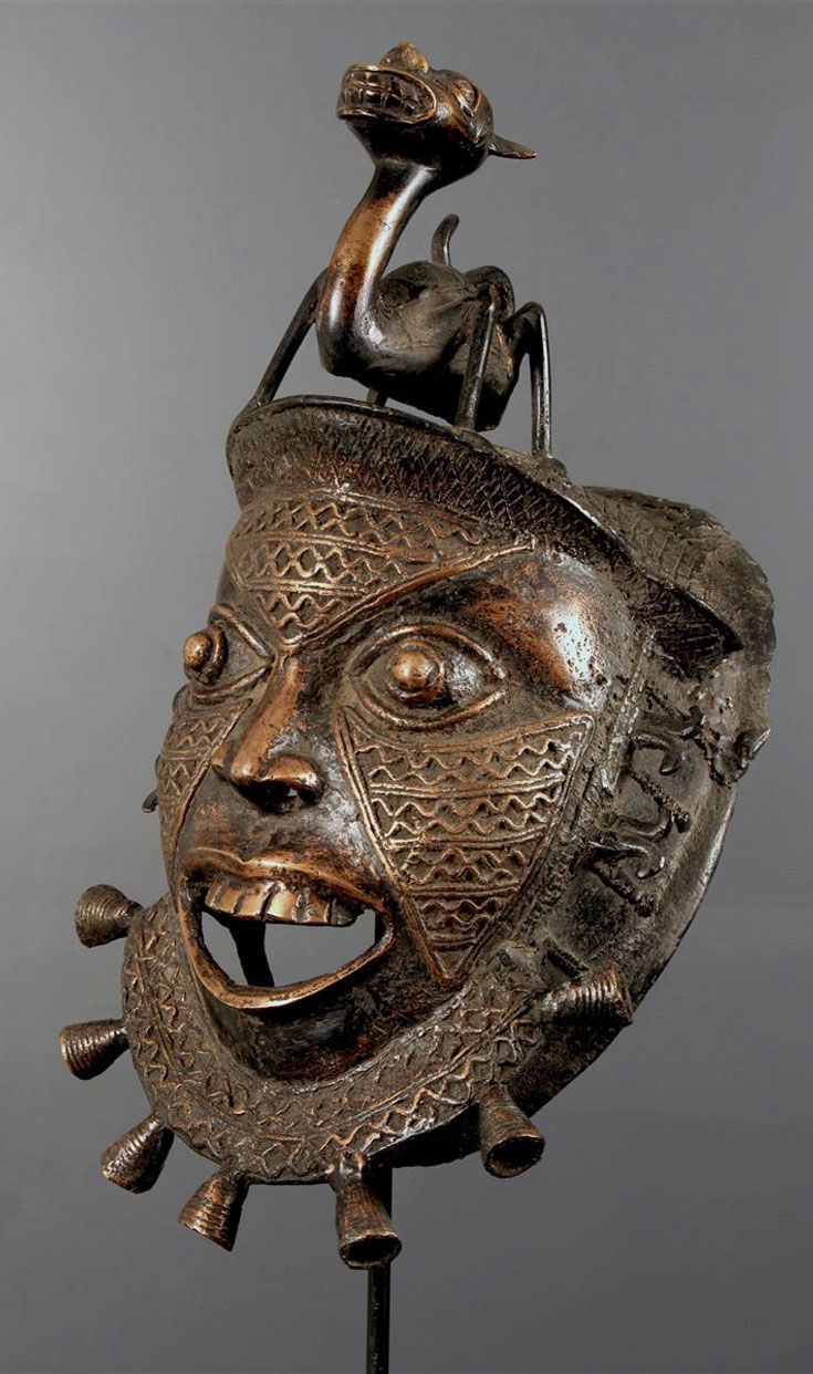 Africa | Mask from the Tikar people of Cameroon | Bronze; cast