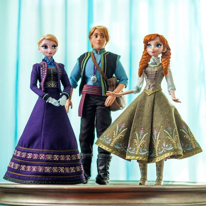 "With an official announcement expected later today by Disney Store North America, Disney Store France has already shared a first look at the upcoming limited edition 17"" Anna, Elsa and Kristoff dolls being released next month in honor of the Frozen Fever short being released in theaters alongside Disney's Cinderella. Along with the image seen [...]Continue reading..."