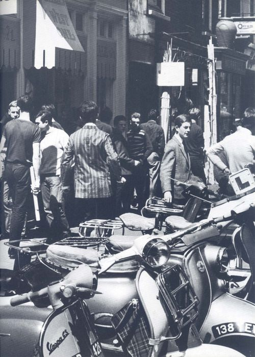 """""""Mod's scooters, Carnaby Street"""", London 1964"""