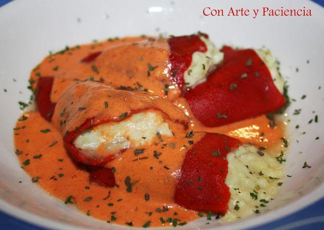 Pimientos del piquillo rellenos de bacalao en salsa