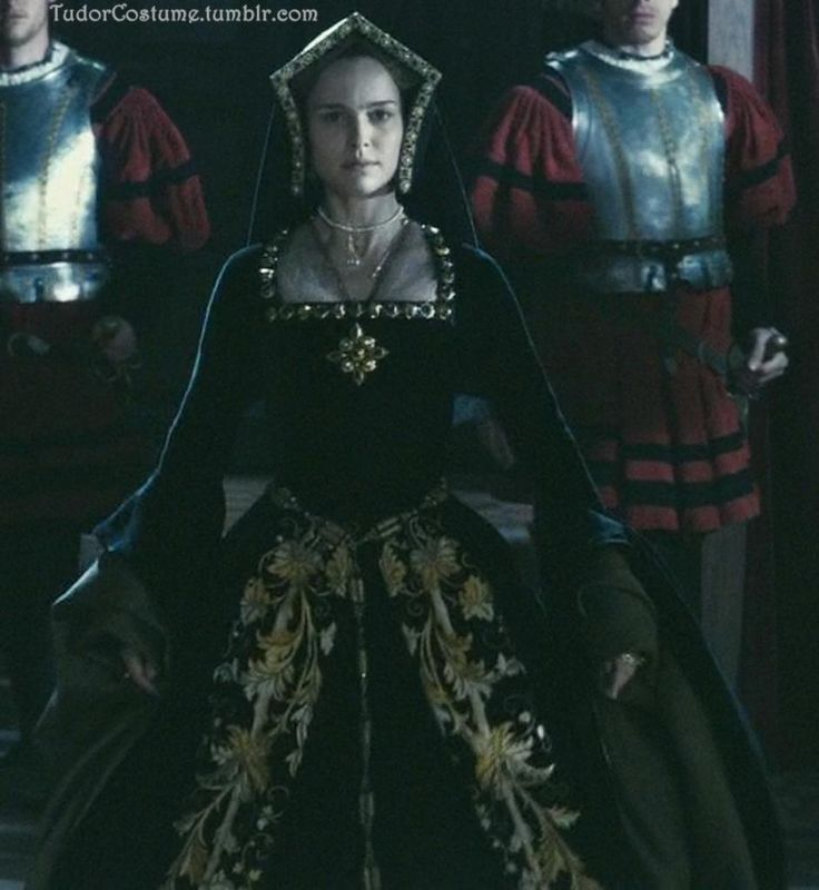 Natalie Portman as Anne Boleyn in The Other Boleyn Girl (2008).