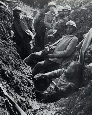 WW1, 1916. French soldiers in a trench at Verdun, Cote 304.