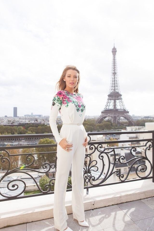 Blake Lively and her fashion belong in Paris <3