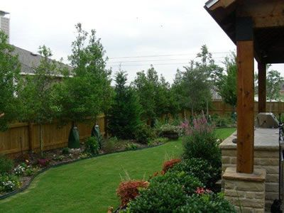 ... Garden Ideas Along Fence