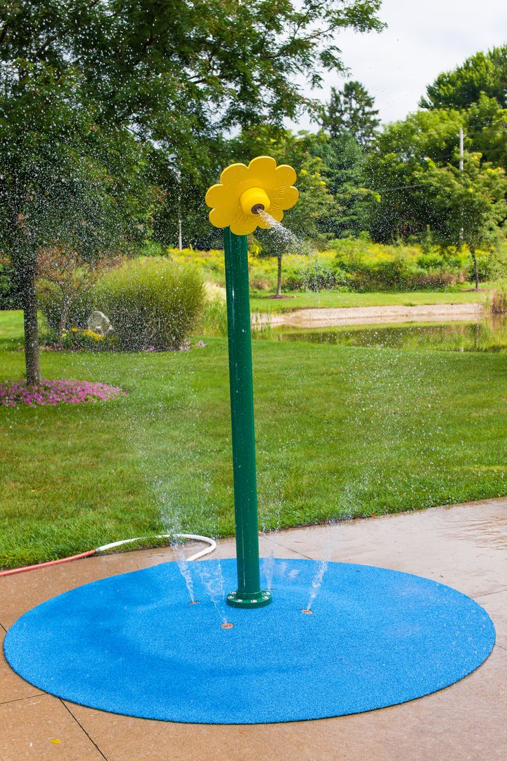 The Flower Shower Water Play Feature For The Portable Splash Pad. This 6u00276