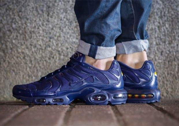 The Usually-Wild Air Max Plus Goes Tonal - SneakerNews.com