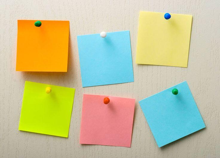 Kleine post it notes die waar je goed op kan schrijven (niet te veel poespas). Plakkend & of niet plakkend.
