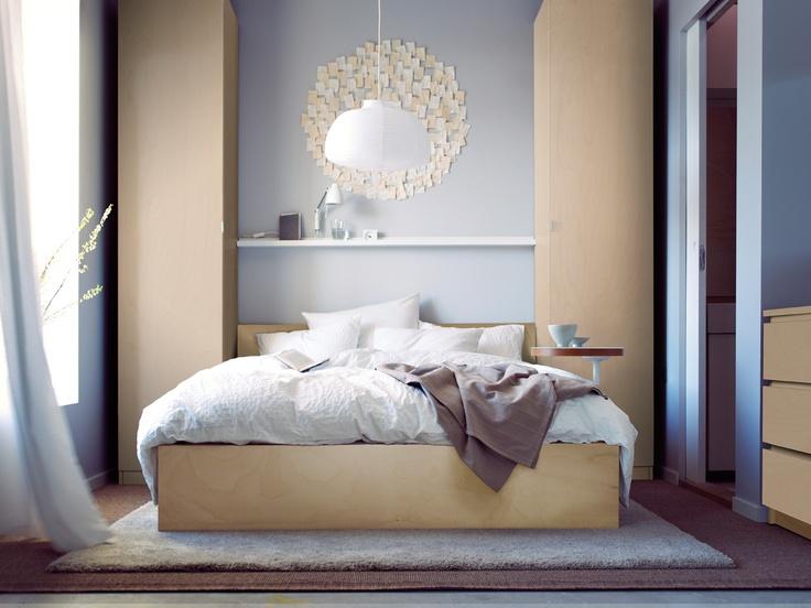 Truquito Una Alfombra Grande Te Permitirá Unificar El Eio Alrededor De La Cama Y Además Small Guest Bedroomsloft