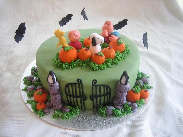 Its The Great Pumpkin, Charlie Brown  Halloween cake