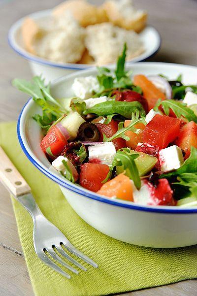 """Het lekkerste recept voor """"Frisse salade met meloen en feta"""" vind je bij njam! Ontdek nu meer dan duizenden smakelijke njam!-recepten voor alledaags kookplezier!"""